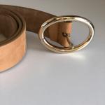 Cinturón piel natural hebilla dorada