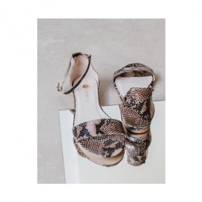 Sandalia piel serpiente