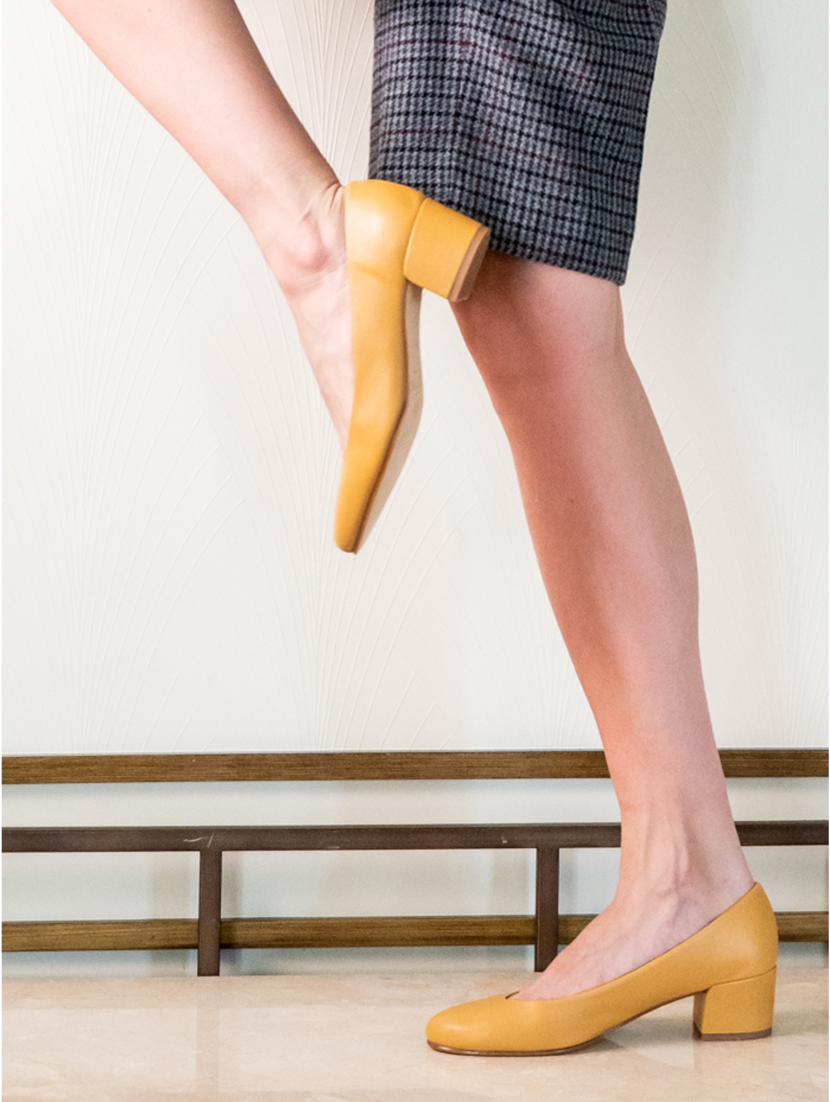 Zapato Tacon Medio Mostaza Piel