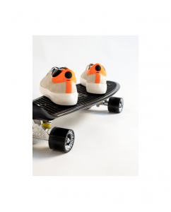 Sneakers Golden Goose Cebra Naranja flúor.png
